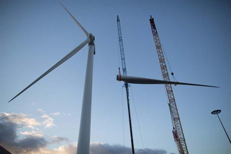 The turbine's tower, nacelle and blades were installed at Arinaga Quay, Gran Canaria.