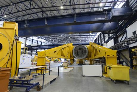 Vestas has built a test hub at its Isle of Wight research centre for the 80-metre V164 blade. 