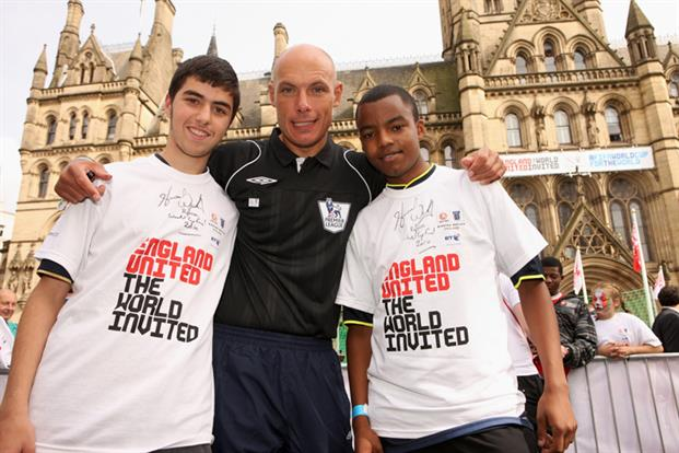 Howard Webb Backs the Bid with BT.jpg