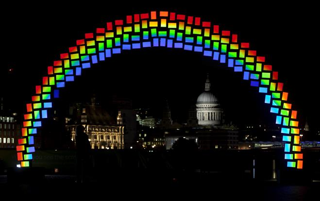 Samsung built its rainbow using 150 Galaxy Tab S tablets
