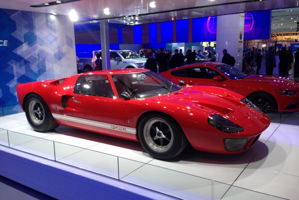 Slideshow On The Ground At The 2015 Detroit Auto Show