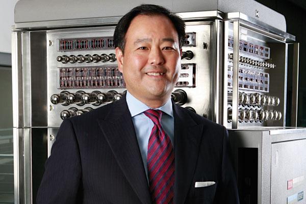 Jon Iwata, IBM