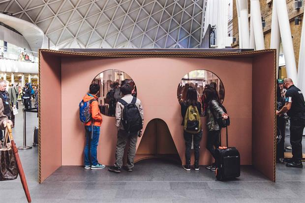 The Google Cardboard activation at King's Cross Station (all images by Andy Hughes)
