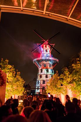 Nolet celebrate 325 years of history with 3D projection