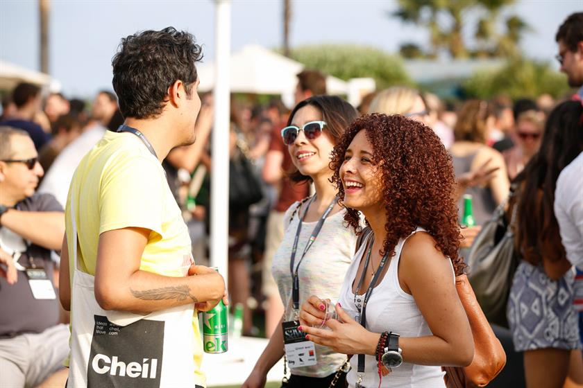 WEB-Cannes-Connect-Bar-DAY-1-(23).jpg