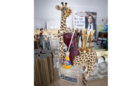 FF-Office_Orangina_Giraffe.jpg