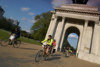 Tfl: bike scheme: Clear Channel added to shortlist for contract