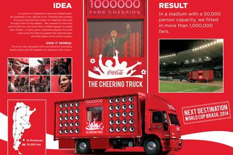 COCA-COLA---The-cheering-truck.jpg