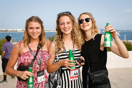 WEB-Cannes-Connect-Bar-DAY-1-(7).jpg
