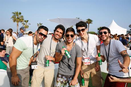 WEB-Cannes-Connect-Bar-DAY-1-(24).jpg