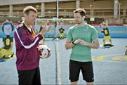 EE: Matt Le Tissier gives YouTuber Spencer FC some footballing tips