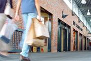 Shoppers: pay more attention to their surroundings in London, according to research from CBS