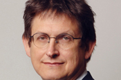 Rusbridger: taking 10% pay cut