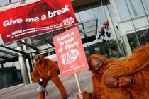 Greenpeace attacks Nestlé with 'Kit Kat' viral