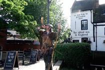 Grey helps Greene King IPA celebrate British pubs