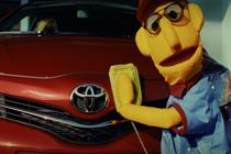 Toyota 'the smart money's on Yaris' by Saatchi & Saatchi