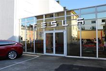 Former Apple comms staffer Sarah O'Brien joins Tesla