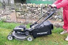 Review - Pedestrian mowers