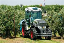 Technology on view at Fruit Focus 2016 - driverless tractor for fruit growers among kit on display