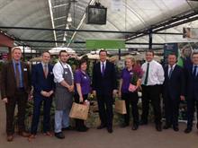 David Cameron visits Wyevale Garden Centre