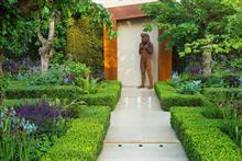 Beardshaw Chelsea garden sculptures go on show