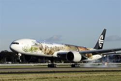 Air New Zealand jumps on Hobbit mania with 'flying billboard'