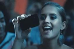 Motorola 'life proof' ads banned after phones crack