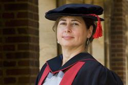 Vogue's Alexandra Shulman awarded honorary arts degree