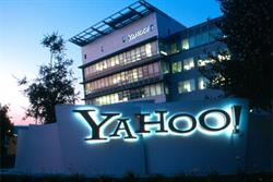 Yahoo! revenue rises as display jumps 20%