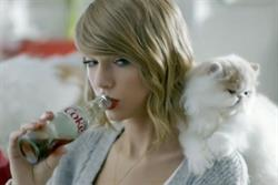 Taylor Swift drowns in kittens in Diet Coke campaign