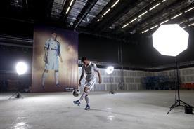 Tottenham star Gareth Bale appears in ads