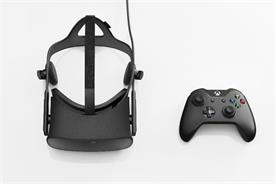 Oculus Rift: the headset will come with an Xbox One controller.