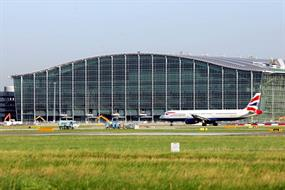 Business leaders call for single hub airport for UK
