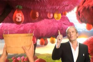 Michael Bolton makes Starburst juicy by serenading the trees