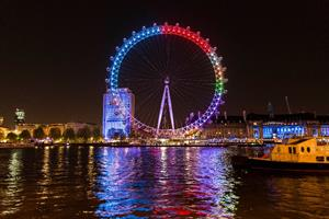 Facebook turns the London Eye into a giant election pie chart