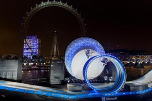 Watch: stunt biker Danny MacAskill loops-the-loop on Thames for Microsoft Lumia