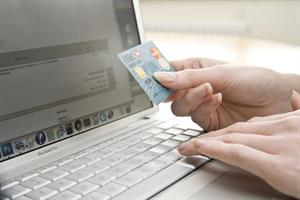 UK shoppers' online spending up 16%