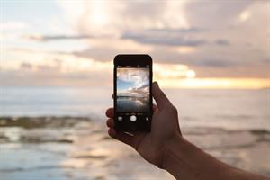 Taking on titans: mobile advertising to overtake TV by 2016