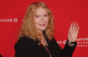 Mia Farrow tweets about pay from Ecuador reps to speak against Chevron