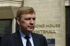 England's chief medical officer to step down in May