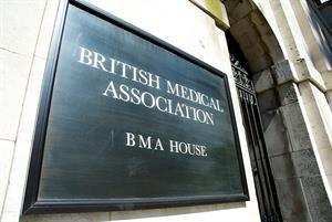 GPC unanimously backs junior doctors strike vote