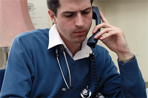 Stop bullying GPs over 084 numbers, GPC warns NHS England