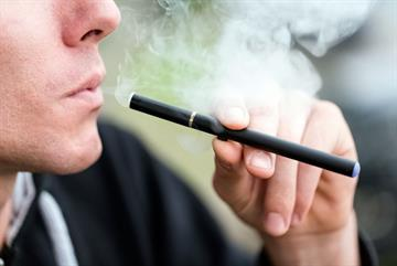 E-cigarettes 'better than patches' for smoking cessation