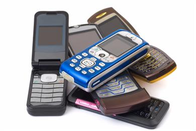 In defense of dumb technology: why Walter White wouldn't buy a Samsung clamshell phone