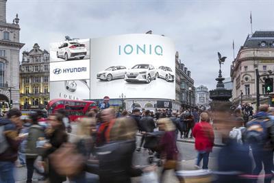 Hyundai renews presence on Piccadilly Lights