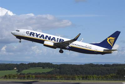 New wave of cheap flights as Ryanair expects price cuts