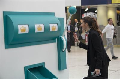 Deliveroo's slot machine hands out food samples to London commuters
