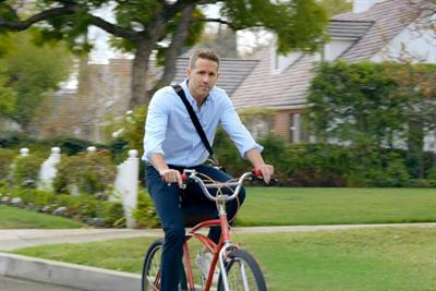Hyundai Super Bowl spot stars dozens of Ryan Reynolds