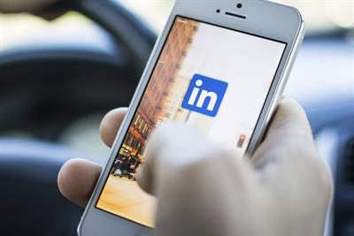 Here's what we learned analyzing 30 CMOs on LinkedIn