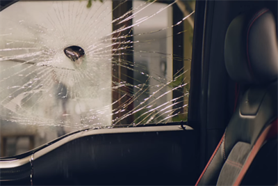 Aaron Rodgers takes a swing and misses in new State Farm spot